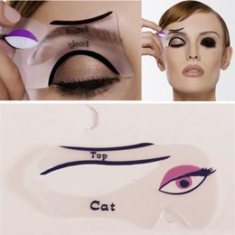 Wholesale Magic Eyeliner Stencil Model Beginner Eye Makeup Helper Device Tool Assistant Professional Women Draw Eye Liners Guide Card
