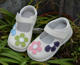 Wholesale little girls leather shoes white mary jane with colored flowers kids flats princess shoes baby walker shoes spring pink retail SandQ baby