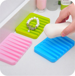 Wholesale Cute Cartoon silicone soap box can drop Soap Holder Fashion PP Soap Basket WD22
