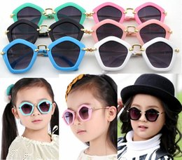 Children Pengaton Sunglasses 2016 New Arrival Trendy Girls UV400 Designer Sunglasses Teens Fashion Frame Kids Arrow Eyewear