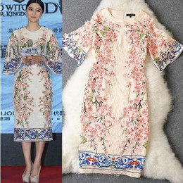 Wholesale 2015 New Arrival Fashion Silk Women s dresses Round Neck Half Flare Sleeves Appliques Flowers Printed Straight Elegant Runway Dresses