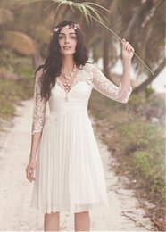Knee Length Beach Wedding Dresses With Sleeves Sheer V-Neck Pleats Chiffon Lace Bridal Gown Elegant Sarawedding