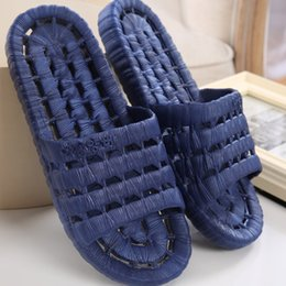 Wholesale 2016 Summer New Bathroom Men Slippers Leaking Non slip Hollow PVC Lovers Indoor Home Shoes Massage Bathroom Slippers