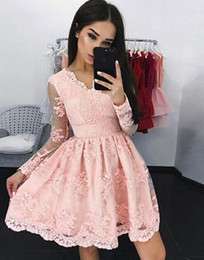 Modern Coral lace Short Graduation Dresses With Long Sleeves A line V neck 2019 Cheap Mini Prom Homecoming Dress Applique New