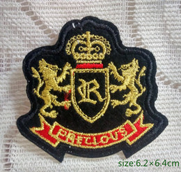 Precious Heraldic Lions Crown gold thread Iron on Embroidered patch Gift shirt bag trousers coat Vest Individuality
