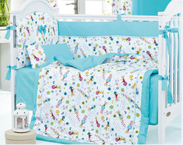 Wholesale 8 Pieces Crib Baby Bedding Set Blue Toy Bear Baby Nursery Cot Ropa de Cama Crib Bumper Quilt Fitted Sheet Dust Ruffle