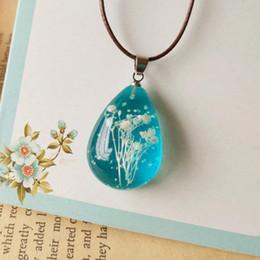 Wholesale 2016 Hot Aquamarine Blue Tear Drop Pendant Necklace Mini White Dried Flowers Pendant Noctilucent Effect Handmade Jewellery
