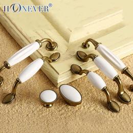 Wholesale 5pcs White Ceramic Handle European Antique Bronze Drawer Pull Kitchen Cabinet Handles Wardrobe Handle