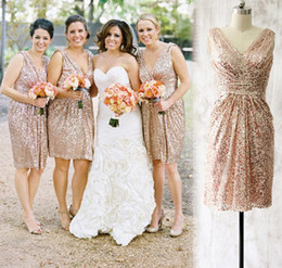 Champagne Sequined Knee Length Bridesmaid Dresses Real Photos V-Neck Sleeveless Short Country Maid Of Honor Dress Beach Party Gowns