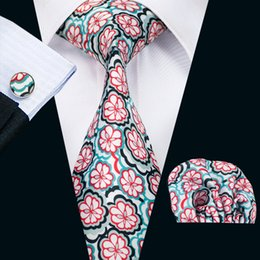 Hot Sale Motif Hommes Imprimé Cravates Fleur rouge blanc d'affaires de mariage Cravate en soie Set Inclure cravate Cufflinks Hankerchief Freeshipping N-1247 wedding sets sale for sale à partir de mariage met en vente fournisseurs
