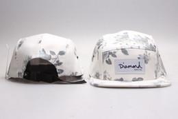 2017 sombreros de béisbol en blanco snapback Diamante caliente 5 Panel de sombreros en blanco, flor del diamante de los hombres clásicos del Snapback, las mujeres ajustables de las gorras de béisbol del diamante, bordado Armarios plana gorras sombreros de béisbol en blanco snapback baratos