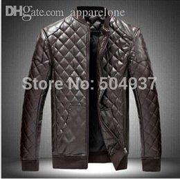Venta caliente de la motocicleta en venta-Fall-2015 Nuevos vendedores calientes de las chaquetas populares de Lether Chaqueta de cuero respirable masculina negra del remiendo de la motocicleta