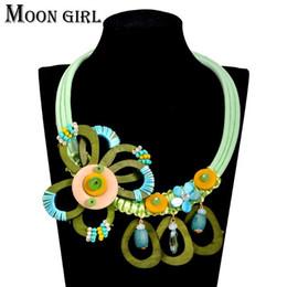 Maxi big wood flower choker necklace classic New fashion boho jewelry display Bohemia statement necklace women accessories