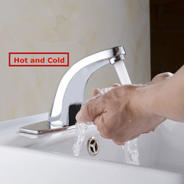 Wholesale Hot Cold Bathroom Automatic Touch Free Sensor Faucets water saving Inductive electric Water Tap mixer battery power