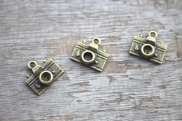 Wholesale 20pcs Camera Charms Antique bronze Tone Camera Shape Pendant Beads X13mm