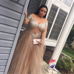 Sexy Rhinestones Beaded Plus Size Prom Dresses With Long Sleeves Sheer Jewel Neckline Formal Dress Floor Length Tulle Evening Gowns