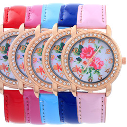 2016 New Arrival Leather Band Watches for Woman Floral Print Dial Casual Quartz Analog National Wind Crystal Wath for Woman