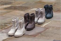 Wholesale Season boost High footwear sneaker Fashion Shoe Men And Women Boots Shoe Online sale store