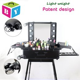 Wholesale trolley rolling aluminum frame makeup cosmetic salon vanity beauty case with light bulbs mirror legs removable wheels