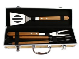 Wholesale SUNNECKO SA BBQ Tool Set in Compact Box Stainless Steel Wood Handle Churrasco Tools for Outdoor Grill