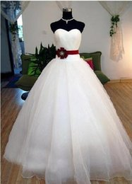 Romantic Soft Tulle Ball Gown Wedding Dress With Burgundy Flower 2016 Sweetheart Wedding Gowns Lace Up
