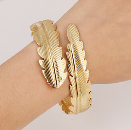 Charm Bracelets for Women New Fashion Bangle Wide Cuff Opened Gold Metal 18K Gold Plated Leaf Bracelet Open Cuff Bracelets & Bangle