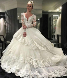 Vintage Beaded Appliques Wedding Dresses Tiers Long Sleeves 2016 White Lace Ball Gown Sexy V Neck Arabic A-line Bridal Gowns Plus size