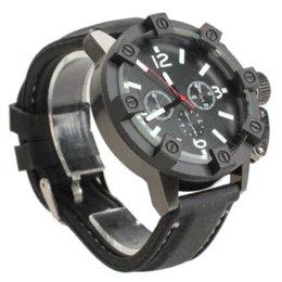 Promotion la montre-bracelet pour hommes Voiture Mode Nouveau V6 Hommes Sport Grande Ronde Dial Quartz Montre Bracelet en caoutchouc noir Montre BS88 HB88