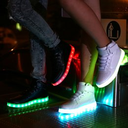 Wholesale Direct manufacturers lovers of luminous shoes LED shoes USB lamp charging foreign trade explosion models of air force one light shoes