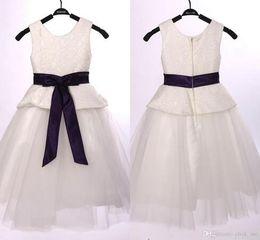Cheap White Flower Girl Dresses Jewel Peplum Lace Ribbon Kids Formal Wear junior Bridesmaid Dresses Zipper Cute Pageant Dresses For Wedding
