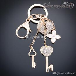 Trousseaux gros fleur à vendre-Gros-gros chaîne de clé de voiture de mode Gold Heart Accessoires Keychain Pour clé Femme Classique Fleur de cristal Keychain Porte-clés