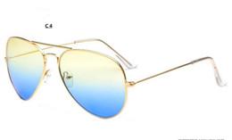 Wholesale colors Fashion leisure brand decorate Sunglasses UV400 Women men protection outdoor sports Glasses Factory price sales