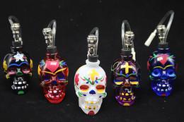 Shisha humo de colores en Línea-Cabeza del cráneo colorido de DHL Bong populares vidrio Hookah Pipe Durable Mini Shisha consumo de tabaco de pipa de agua barato diseño único