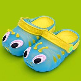 Promotion pantoufles chaussures mignonnes Summer Girls Baby Boys Chaussures Cute Caterpillars Beach Slippers Kids Toddler Cartoon Flip Flops Enfants Sandales Accueil 2PCS = 1 paire