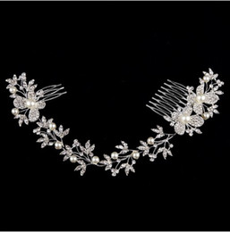 Luxurious bridal head pieces butterfly rhinestone pearl enviromental friendly alloy wedding long hair comb wedding hair accessories