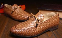 Descuento los hombres hechos a mano de los zapatos oxford 2016 Nuevo hombre formal hecho a mano real de la marca de fábrica del resorte 100% del cuero genuino hombres italianos de Oxford Men's Wedding Dress Wedding Shoes