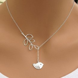 Wholesale 2016 New Fashion Charms Simple Leaves Small Bird Short Necklaces For Women Jewellery F0050