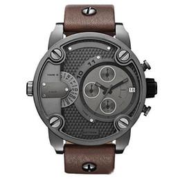 Wholesale Watch for man DZ Oversized Case Mutiple Dials Date Display Rubber Strap Quartz Waterproof Men s Watches