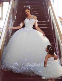 Custom Made Stunning 2016 Off-Shoulder Sweetheart Castle Wedding Dresses Ball Appliques Lace Bow Bridal Gown Western