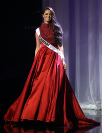 2019 THE MISS TEEN USA Dark Red Long Celebrity Dresses High Neck Heavy Beaded Long Ruched Formal Pageant Evening Occasion Dresses