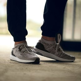 Wholesale Ultra Boost Uncaged Women and Men Running Shoes Best Sports Sneakers Lightweight Walking Shoes Fashion Causal Shoes with Original Box