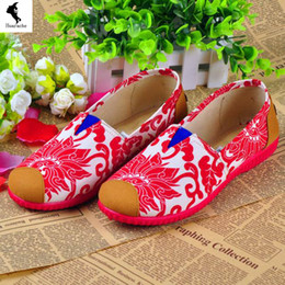 Wholesale Shoes Women Handmade Direct marketing Canvas Daily National Flag Old Beijing Massage Flats Cloth Professional Floral Loafers Soft Red Pink C