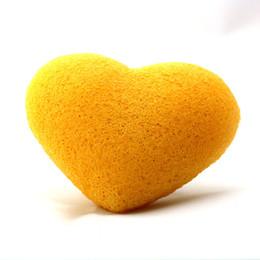 Wholesale New Cute Heart shaped Konjac Sponge Natural Facial Exfoliator Healthy Face Wash Sponges for Babies and Sensitive Skin