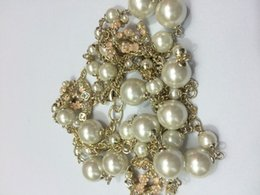 Wholesale Fashion luxury necklaces series Crystal Pearl pendant flower necklace for women Brand Jewelry for wedding