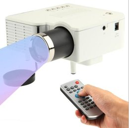 Wholesale Factory Online UC28 Projector Mini LED Portable Theater Video Projector PC Laptop VGA USB SD AV with Retail Package