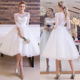 2016 New Vintage Tea Length Wedding Dresses with 3 4 Long Sleeves Lace Tulle Beautiful Short Beach Wedding Dress Bridal Gowns
