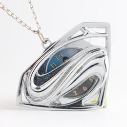 Mujer del reloj del collar en Línea-2016 collares de superhéroes superman colgante reloj de bolsillo del tirón medallón relojes de cuarzo reloj de las mujeres mujeres niños regalo de Navidad 230205