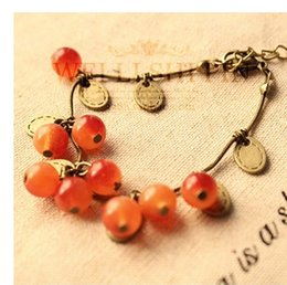 The mouth of a small pepper with the same paragraph of the glass of the same style of glass, sweet cherry bracelet