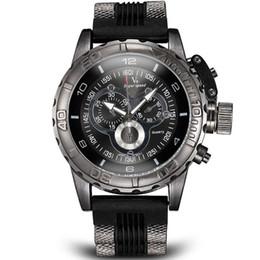 La montre-bracelet pour hommes à vendre-Vogue Mode V6 3D surface Case Luxe Noir Homme Heure Horloge Analogique Militaire Homme Business Casual Montre-bracelet Regarde Cadeau