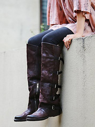 2017 chaussure en cuir longue Real Leather Women Over Knee High Boots Cool Buckles Winter Lady Long Booties Vintage Style Bottes de moto Chaussures plates Femme chaussure en cuir longue ventes